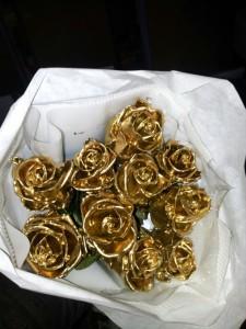 Rosa cera Dourada